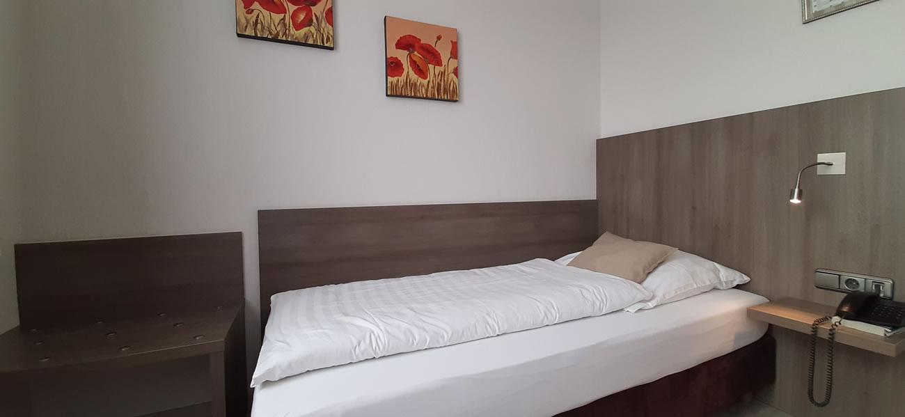 Einzelzimmer Classic Bett