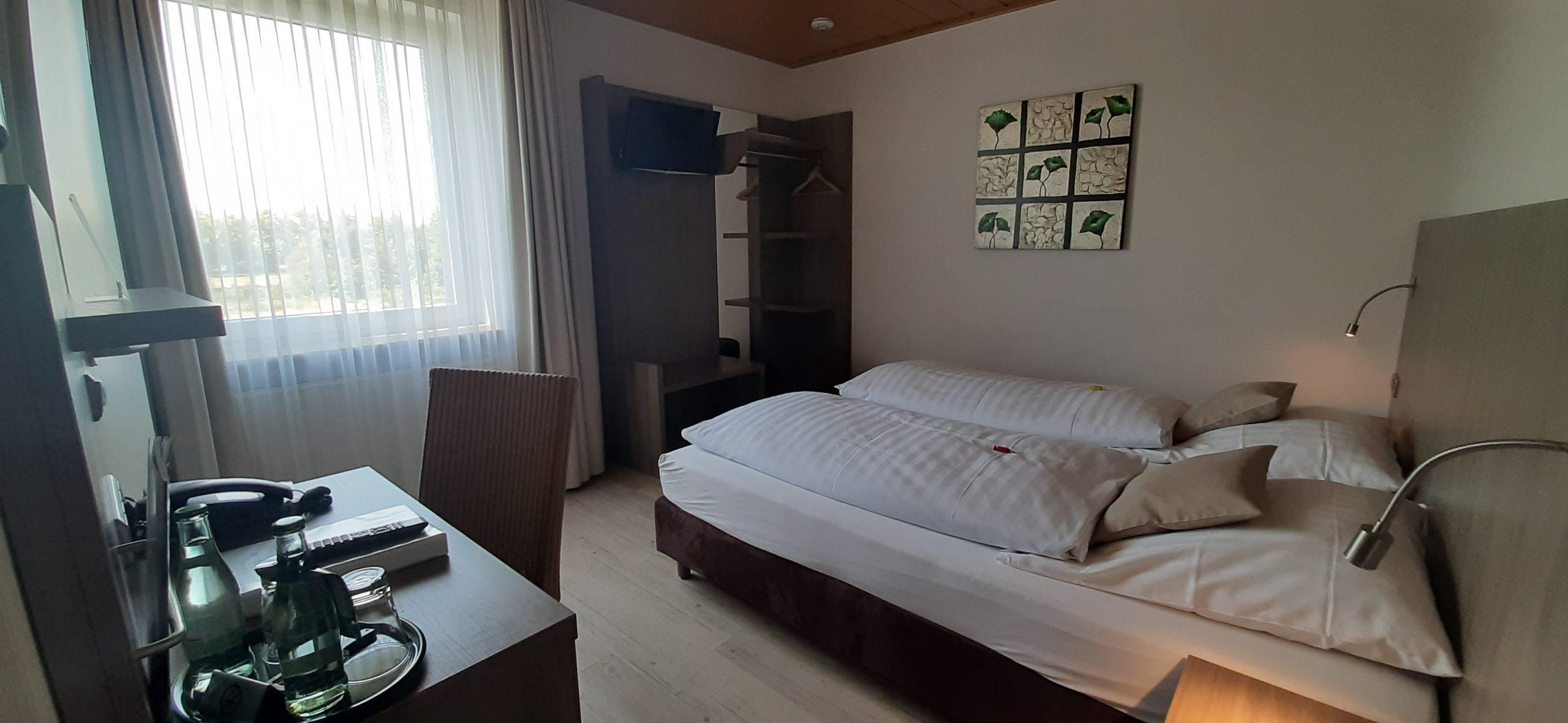Doppelzimmer 13