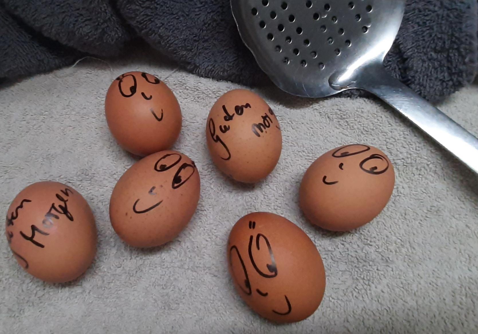 Eier, die zum Schmuntzeln bringen